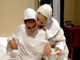 Dos monjas viciosas se comen los coños en el convento