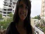 Jovencita latina amateur graba su primer vídeo porno