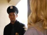 Señor policía métame la porra hasta el fondo, estoy muy caliente